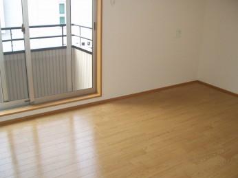 3LDK・2階洋室①s