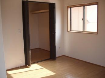 3LDK・2階洋室③s
